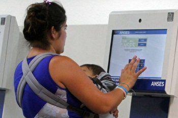 La asignación por Embarazo cumple 10 años y cubrió a casi 2 millones de personas