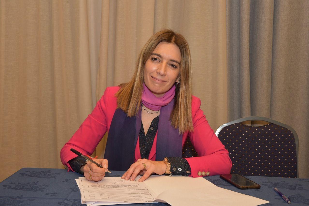 Danya Tavela pidió un diálogo maduro entre la oposición