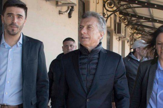 insolito: mientras frigerio acordaba dar marcha atras, macri seguia defendiendo el tarifazo