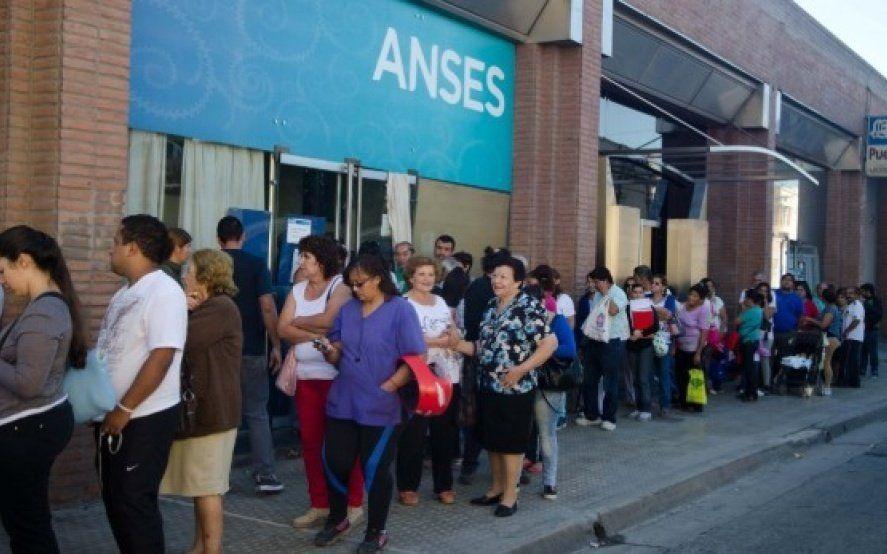 ANSES publicó las fechas de cobro de jubilados y beneficiarios de programas sociales para junio, julio y agosto