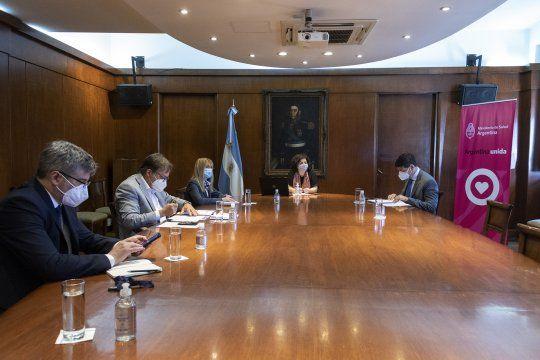 Los ministros de Salud del país preocupados por el avance del coronavirus
