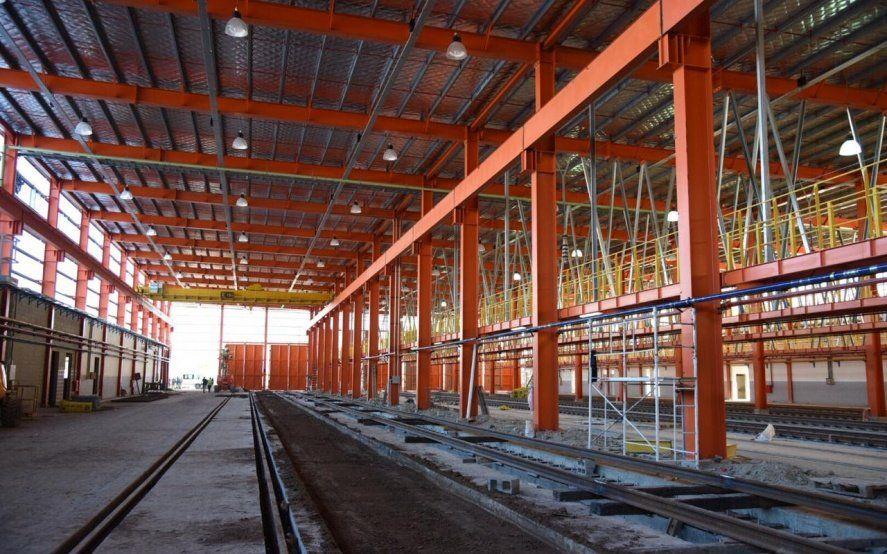 Las características que tendrá el taller ferroviario de Tolosa que recorrieron Macri y Vidal