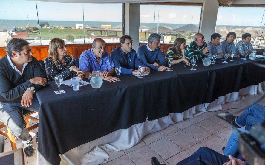 Intendentes y legisladores de la Quinta sección encabezaron un encuentro en Santa Clara del Mar