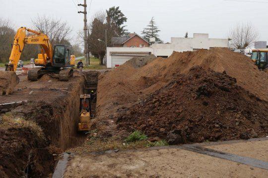la plata: continuan las obras dentro del plan integral para mejorar el drenaje ante nuevas lluvias