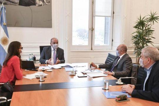 El jefe de Gabinete, Juan Manzur junto a los ministros Alexis Guerrera, Elizabeth Gómez Alcorta y Jaime Perczyk
