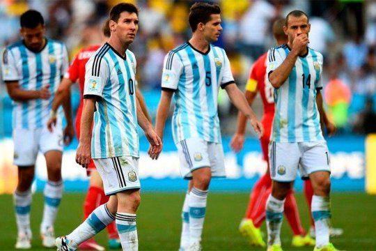 Mascherano, Gago y Messi. A dos de los tres les llegó el retiro en este 2020.