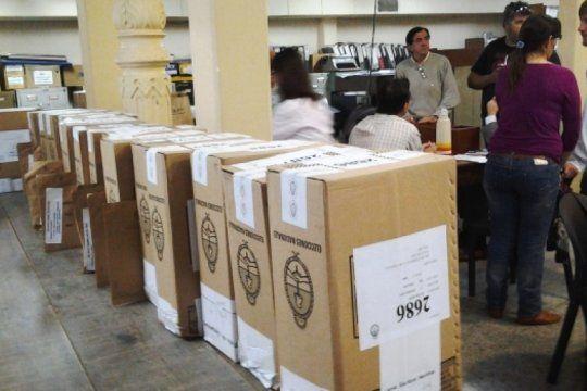 polemica por el escrutinio provisorio: ahora los partidos politicos podran fiscalizar la transmision de datos