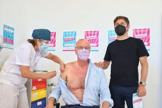 El ministro de Salud bonaerense, Daniel Gollán, recibió la primera dosis de la vacuna contra el coronavirus.