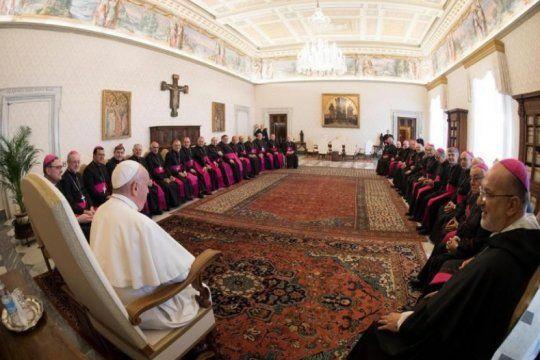 los obispos hablaron con el papa de la ?crisis? y francisco admitio su ?deseo? de venir al pais