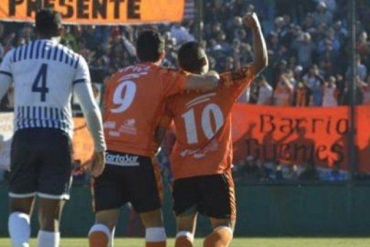 la otra chilena de la fecha: despues de siete anos de prision volvio al gol justo frente al carcelero