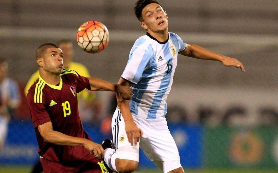 Mirá cómo juega Lisandro Martínez, la joya de Defensa que hoy debuta en la Selección