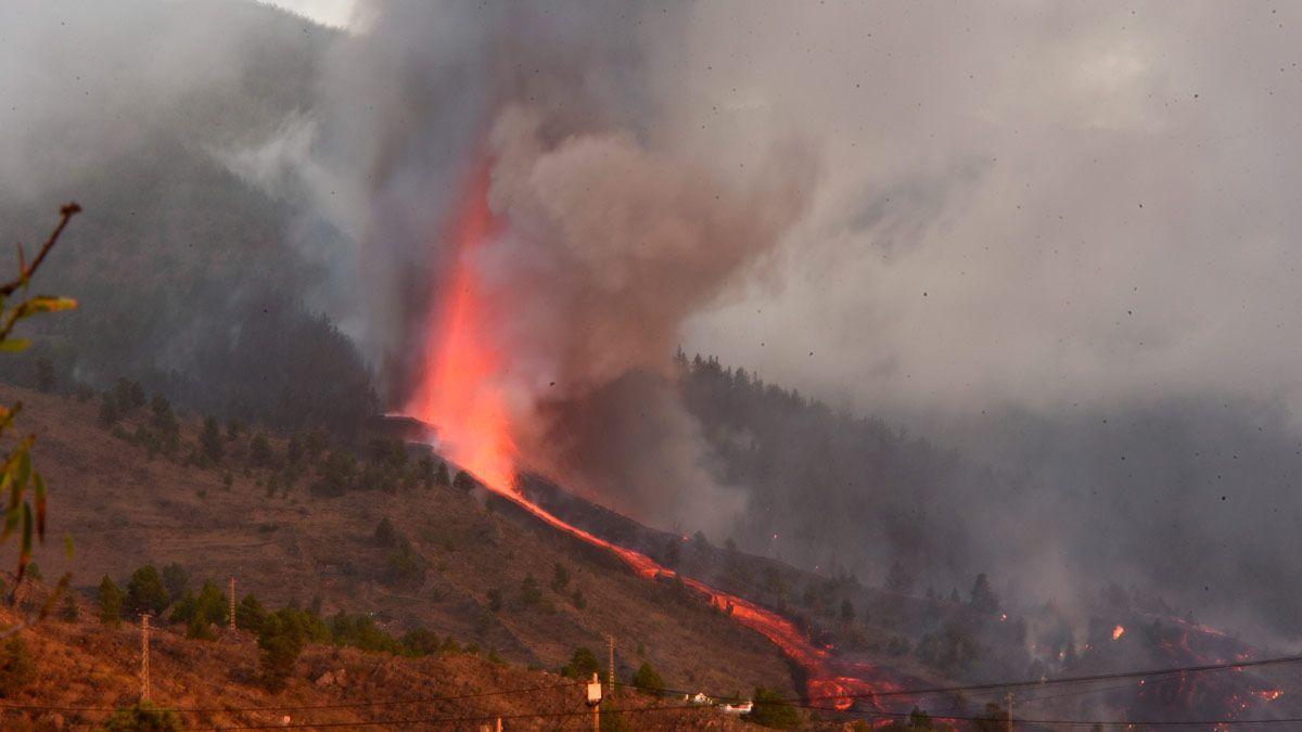 Brutal explosión del volcán de La Palma en España