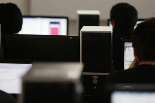 con aulas virtuales, las universidades bonaerenses se reinventan para dar clases en medio de la pandemia