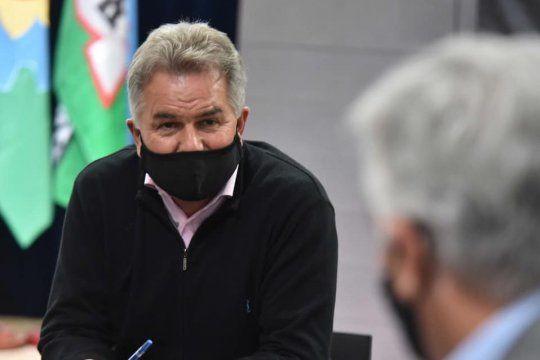 La UCR le pide a Héctor Gay que abra el gobierno.
