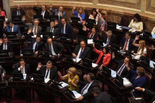 la solidaridad social es ley: el senado aprobo el proyecto de emergencias por amplia mayoria