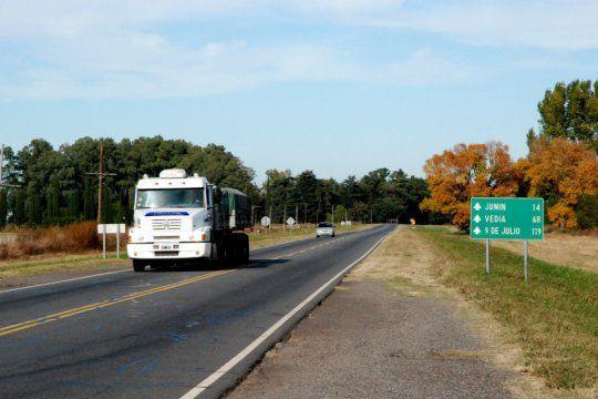 cinco municipios firman un acuerdo de libre circulacion y se viene una polemica con provincia