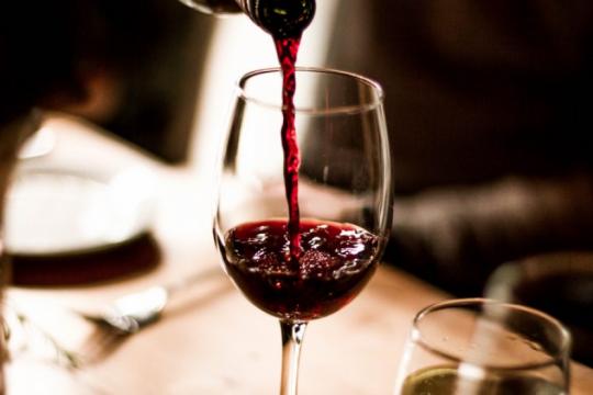 ¿tomar vino tinto podria reducir la gravedad del coronavirus?
