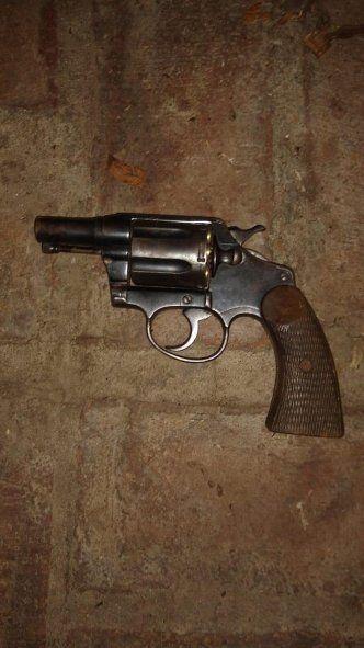 La Plata: mató a dos ladrones con un hacha y una pesa