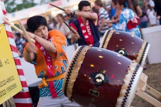 con musica, danza y mas de 100 stands de productos japoneses, llega el 20º aniversario del bon odori