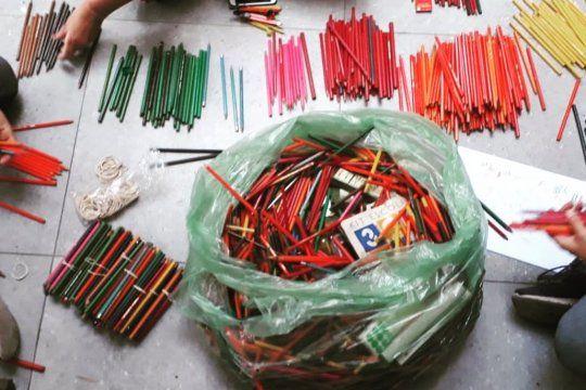 vuelta a clases en la plata:  el proyecto mochila se reactiva en pandemia para llegar con utiles escolares a quienes menos tienen