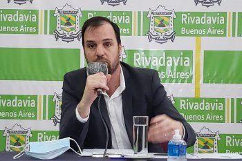 rivadavia: el intendente se incluyo en el aumento salarial