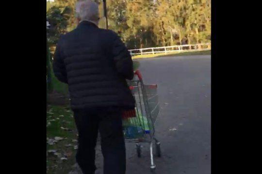 lo encuentran in fraganti mientras robaba en el supermercado del country