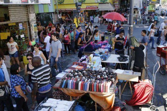 cayo la actividad de vendedores ambulantes en territorio bonaerense y capital federal
