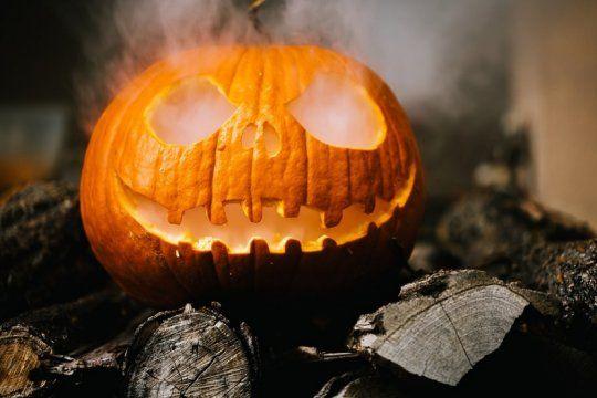 conoce el origen de halloween y 13 curiosas supersticiones de distintas partes del mundo