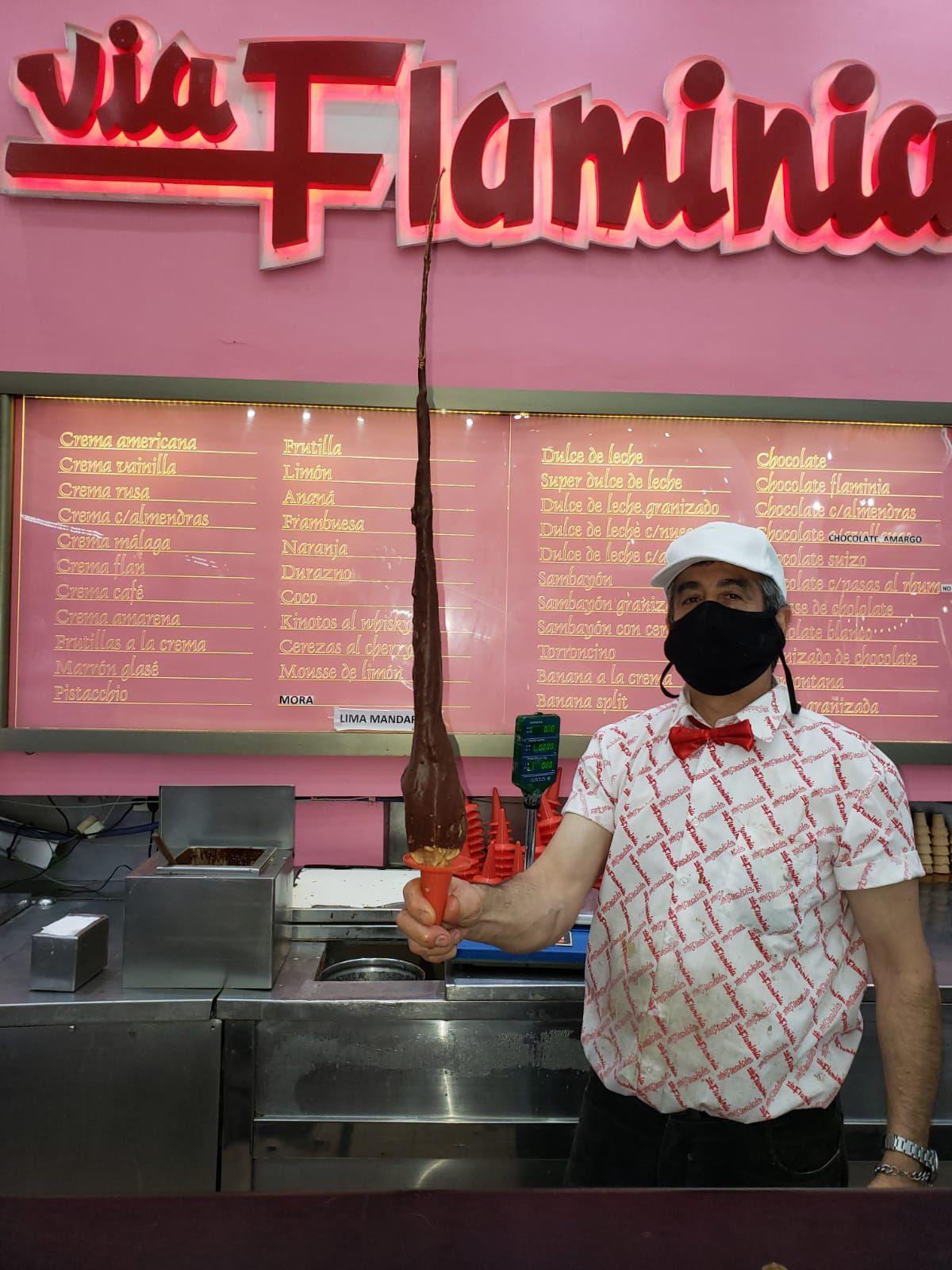 Via Flaminia fue fundada en 1965 por Antonio Capraro, un inmigrante italiano que inventó el helado gigante
