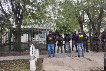 Allanamiento en Gonnet termina con detenidos