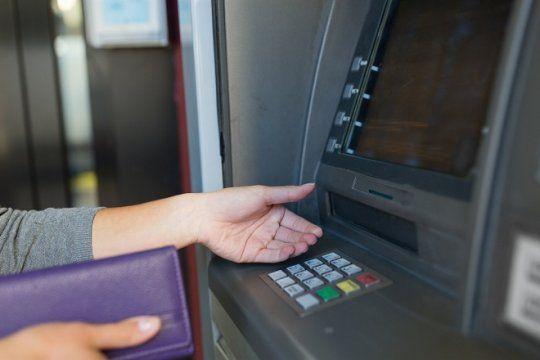 que hacer para no quedarse sin efectivo durante el paro bancario de lunes y martes