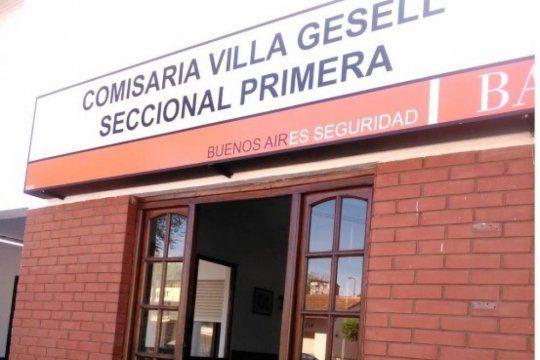 La mujer fue encontrada muerta en su cama en una casa de Villa Gesell