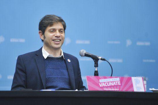 El gobernador Axel Kicillof se mostró conforme con el avance de la campaña de vacunación.