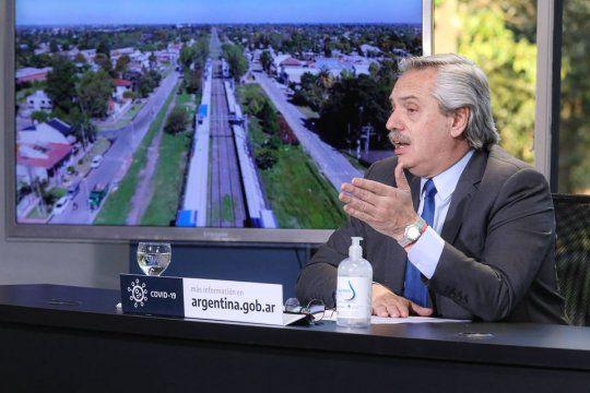 Alberto Fernández continúa realizando anuncios