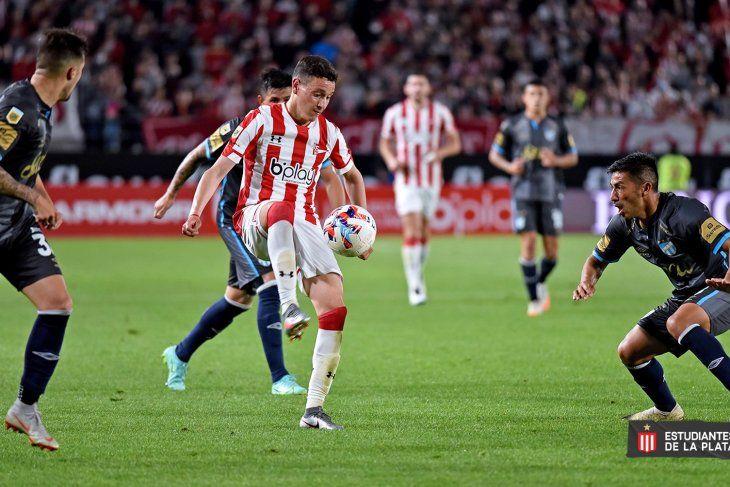 Zuqui en acción en Estudiantes vs. Atlético Tucumán.