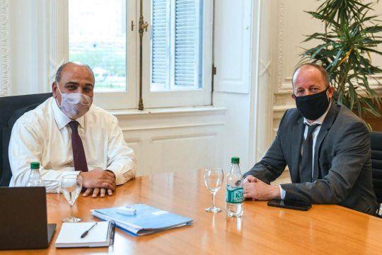 Martín Insaurralde junto a Juan Manzur. Los dos están de estreno en el gabinete nacional y bonaerense.