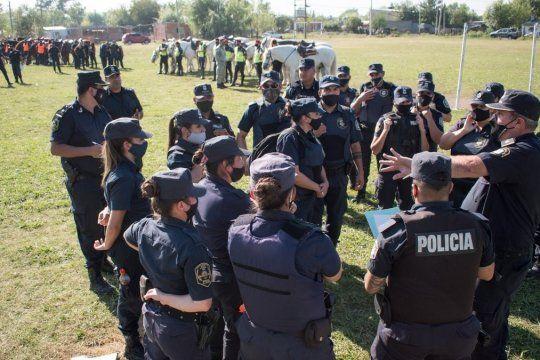 Policías continúan con rastrillajes y entrevistan a vecinos
