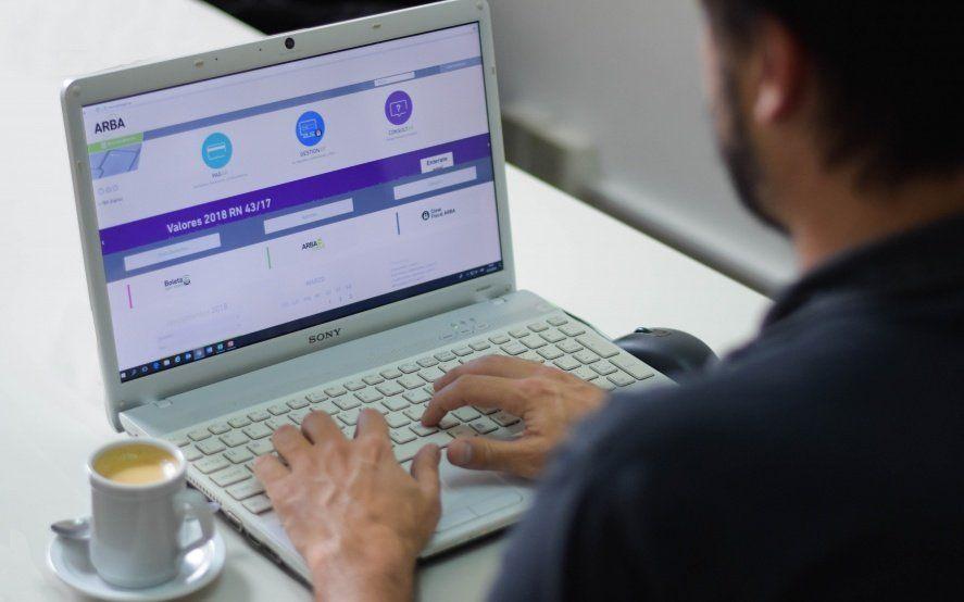 Aumentó 40% el pago de impuestos con tarjetas de créditos por internet en la Provincia