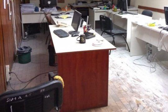 denuncian ?abandono y desidia? en desarrollo social tras el incendio de una oficina en el organismo de ninez