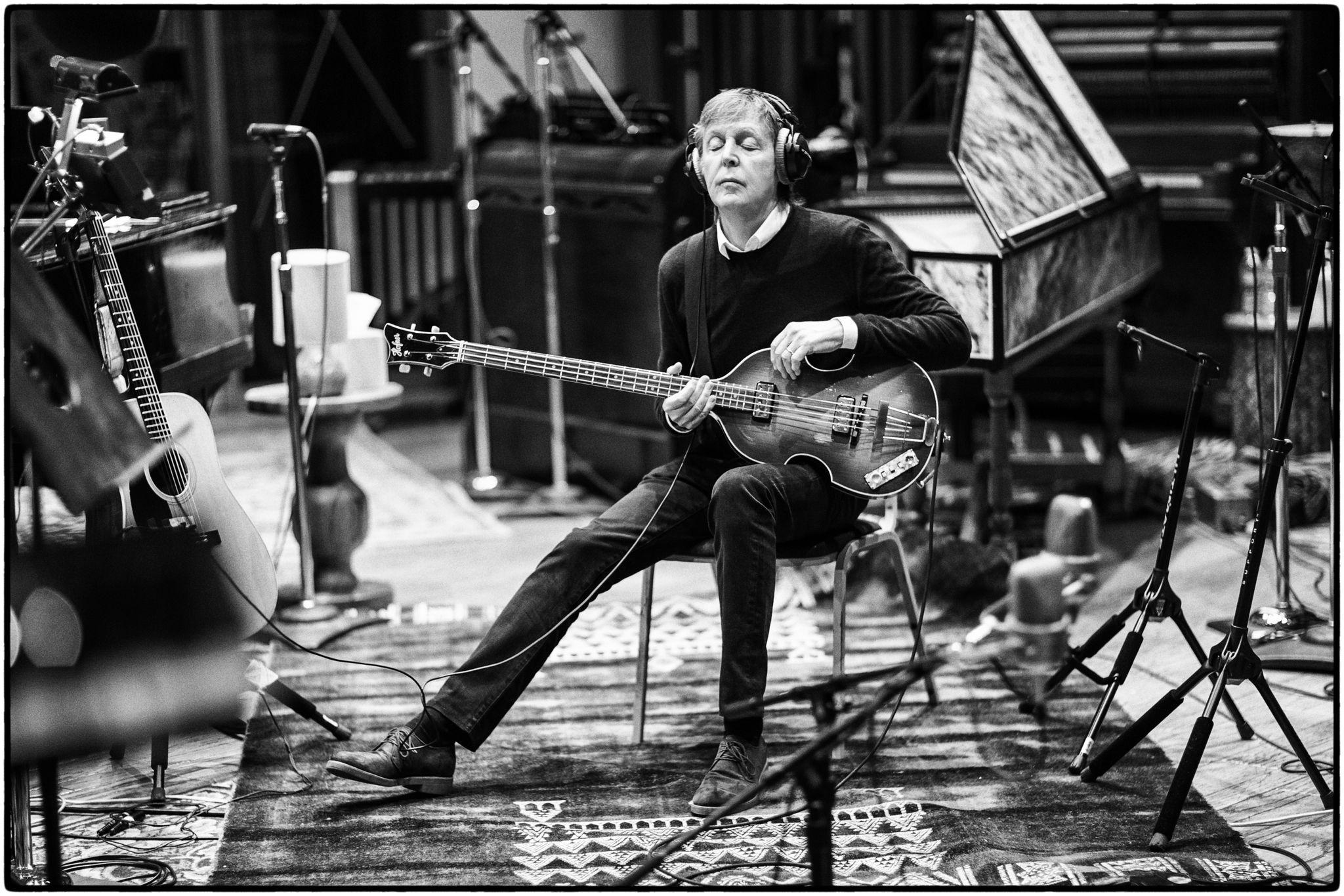 Paul McCartney cumple 79 años.