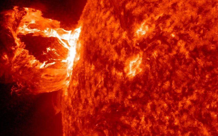 Se acerca una tormenta solar a la Tierra y podría afectar las comunicaciones