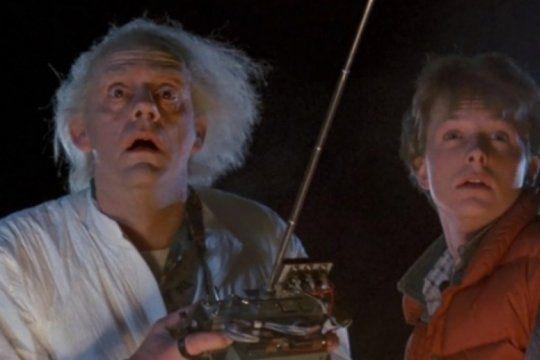 despues de 35 anos, el elenco de volver al futuro se reunira en medio de la cuarentena