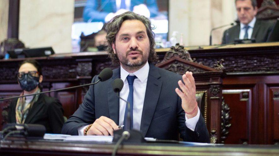 Cafiero entregó un informe de gestión al Senado
