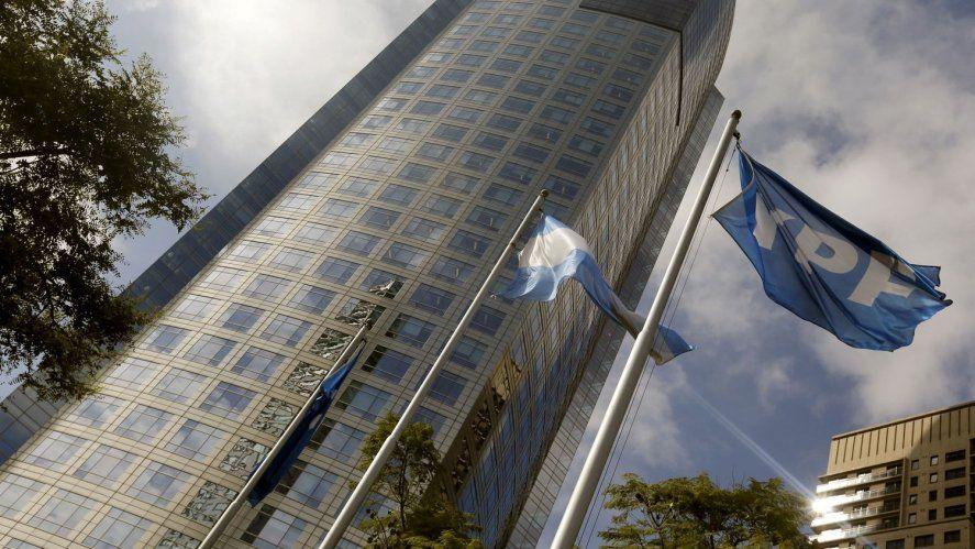 Standard & Poor's reconoce el impacto positivo del canje de deuda en YPF