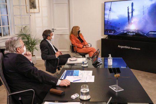 el presidente celebro el lanzamiento del satelite argentino saocom 1b