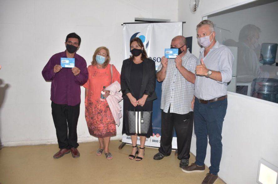 Tolosa Paz entregó certificados de Pre-Identificación