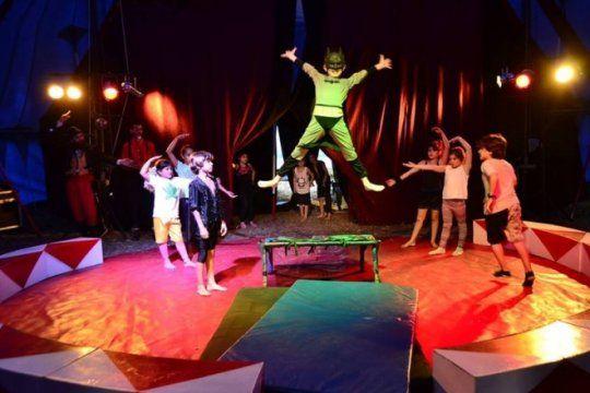 ¿queres ser acrobata?: dictan talleres de circo gratuitos todos los sabados en mar del plata