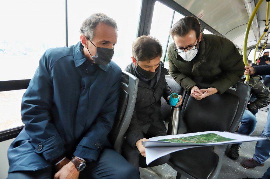 Gabriel Katopodis junto a Axel Kicillof en una recorrida por obras en la Provincia