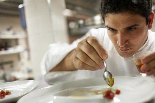 orgullo platense: mauro colagreco fue elegido como el mejor chef del ano por sus colegas en francia