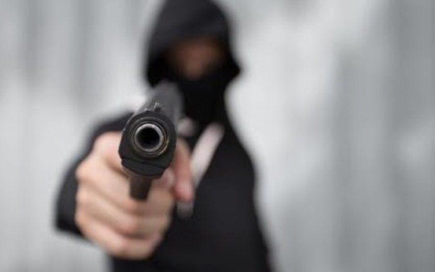 Inseguridad en City Bell: una banda delictiva cometió un escruche y una entradera y se dio a la fuga